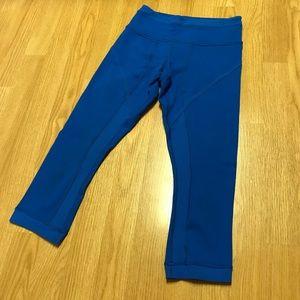Lululemon royal blue cropped leggings size 4